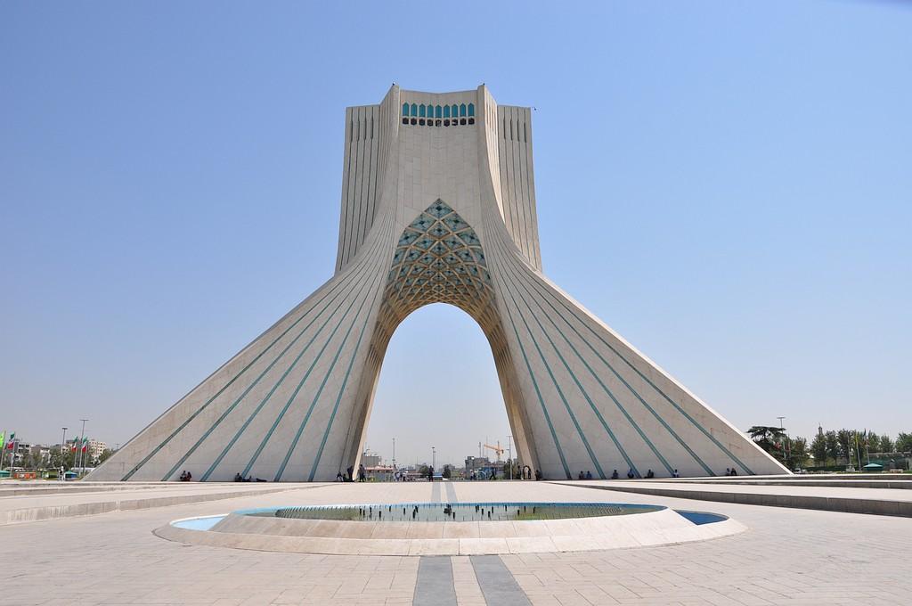 Teheran - simbol neodvisnosti, stolp Azadi...
