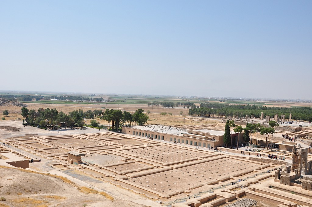 Perzepolis - ogled ostankov nekoč mogočnega kompleksa.