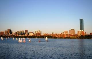Pogled na Boston z reke Charles.