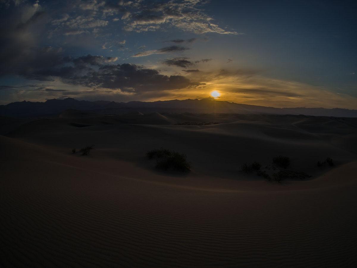 sončni vzhod v Death Valley